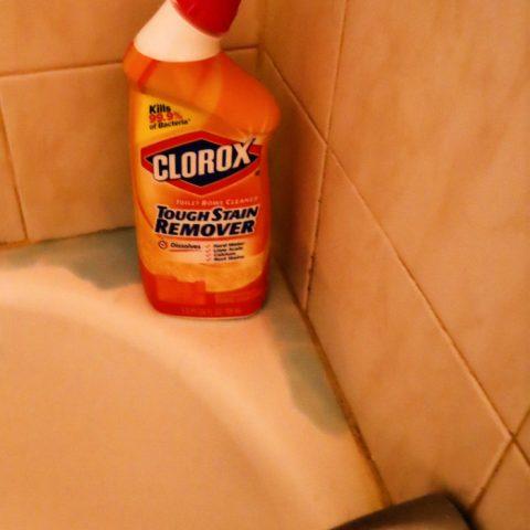 Clorox Bleach Gel For Cleaning Shower And Bathtub